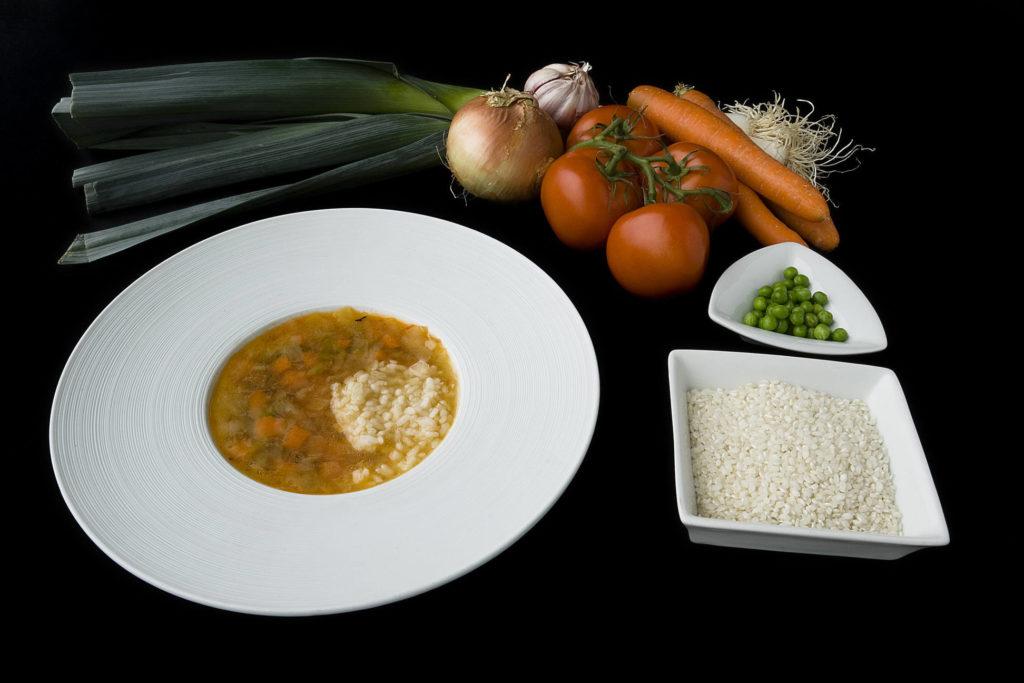 Sopa de verduras almeriense con arroz